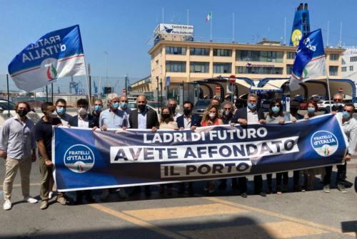 Authority, flash mob e interrogazione di Fratelli d'Italia al ministro Giovannini. Prisco: «Più risorse dal Pnrr»