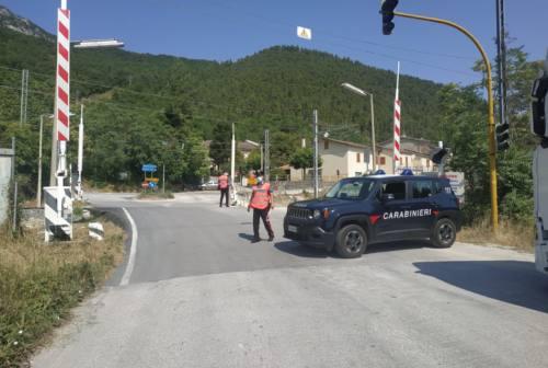 Serra San Quirico: prima il camion e poi l'auto, rischio collisione con il treno