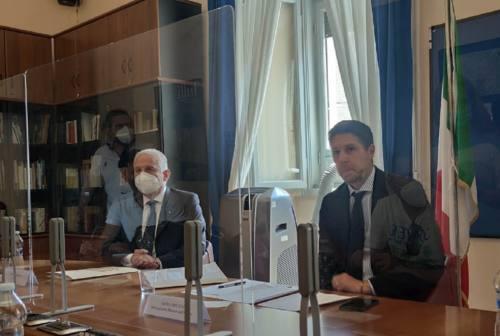 Il sottosegretario Molteni a Macerata: «Qui un modello che funziona, il territorio ferito ha saputo reagire»