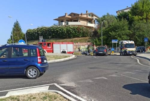 Osimo, schianto alla rotatoria di Osimo Stazione: un ferito grave