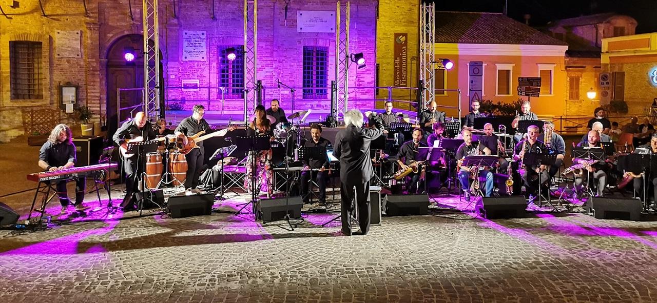 Musica dal vivo in piazza della Repubblica a Castelfidardo