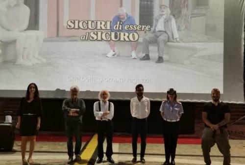Pesaro, cortometraggi e manifesti per mettere in guardia gli anziani dalle truffe