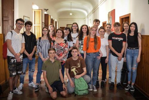 Macerata, il dono degli allievi  del Liceo Artistico  Cantalamessa ai Carabinieri del Nucleo TPC di Ancona