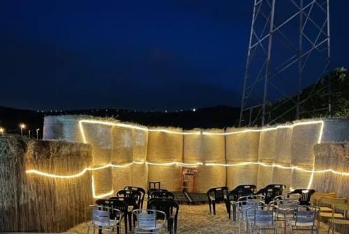 Ascoli: metti una sera a cena con Roberto Cipresso e poi uno spettacolo nel teatro di paglia…