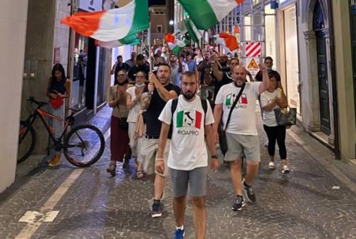 """Protesta """"no Green pass"""" a Pesaro, Carriera (IoApro): «Ricci manipola gli eventi. Lo quereliamo»"""