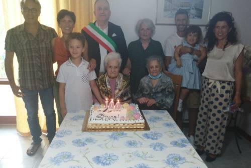 """Morrovalle, 100 candeline per """"nonna Bruna"""""""