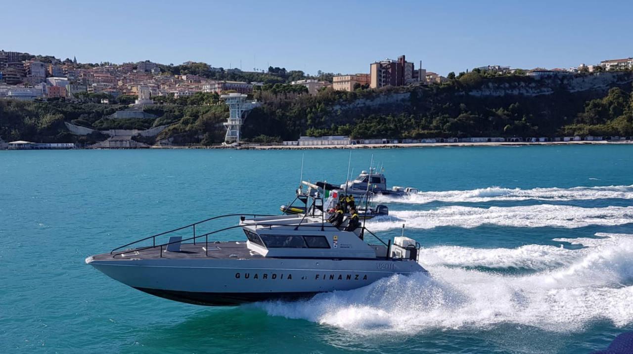Motovedetta Guardia di finanza di Ancona