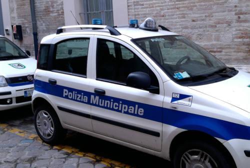 Balli e assembramenti senza mascherine: chiuso un locale a Senigallia