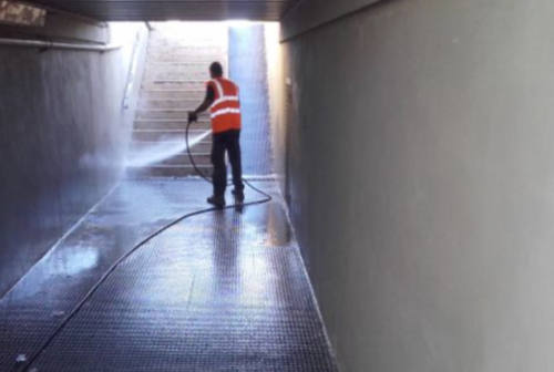 Sottopassi ripuliti a Senigallia, Campagnolo: «Servizio mai attivato prima»