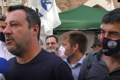 Salvini a Pesaro: «Il green pass non può trasformare camerieri e pizzaioli in poliziotti e carabinieri»