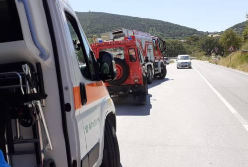 Cade per andare a Mezzavalle, turista soccorsa lungo il sentiero