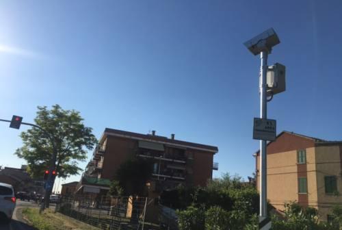 «Non si fa cassa con la sicurezza stradale»: il Comune difende il semaforo-trappola di Marina di Montemarciano