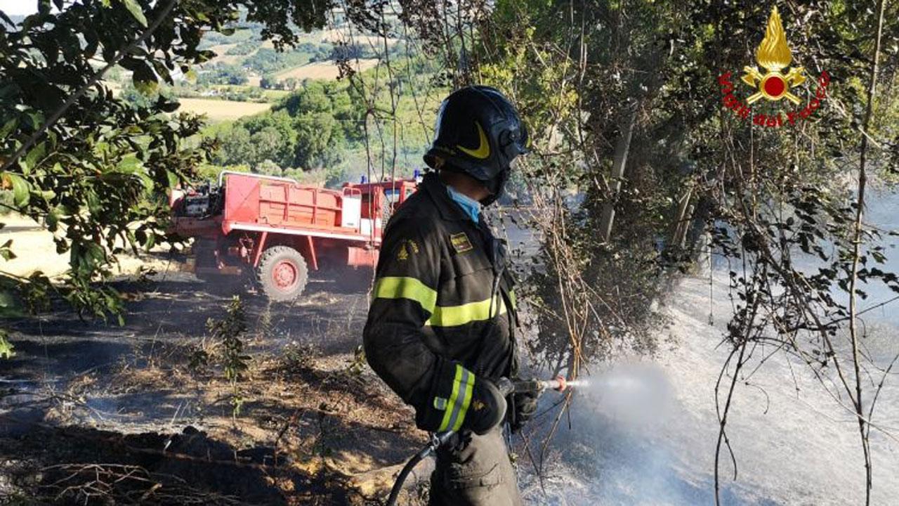 Vigili del fuoco in azione a Gallignano