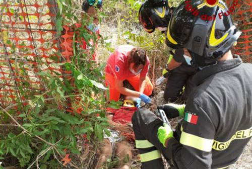 Chiaravalle, scontro auto-moto: centauro 16enne sbalzato contro una recinzione