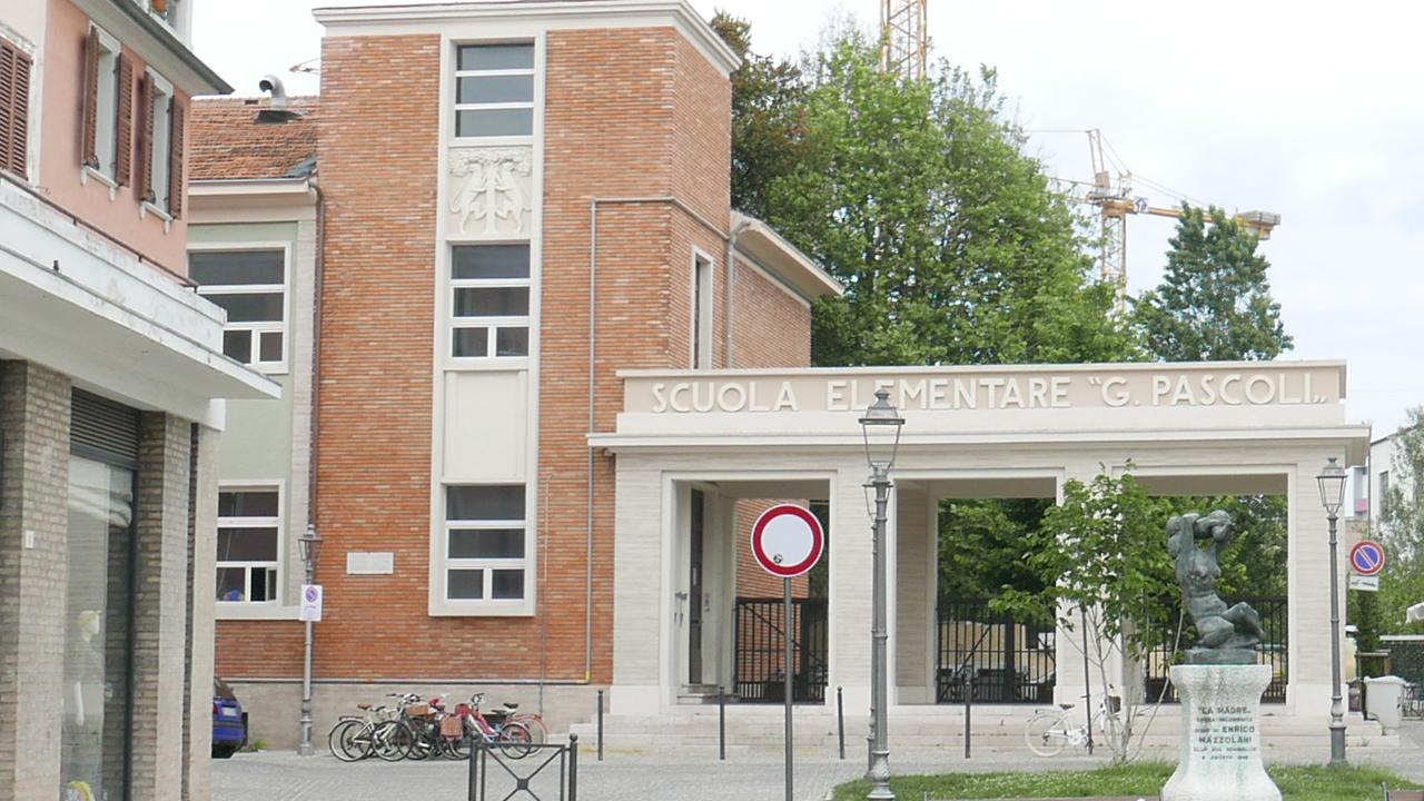 I lavori alla scuola primaria Giovanni Pascoli di Senigallia