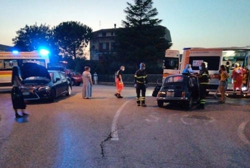 Pianello di Ostra, incidente all'incrocio della provinciale: 40enne finisce all'ospedale regionale