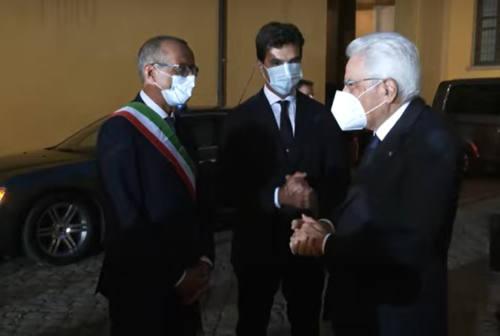 Pesaro, applausi per il presidente Sergio Mattarella al Rof. Ricci: «Giornata storica per la città» – VIDEO