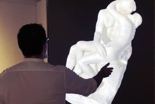 Gradara, il bacio di Rodin grazie alla tecnologia Stark è interattivo e intelligente