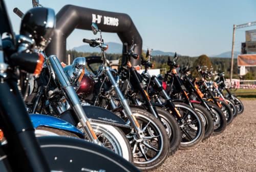 Ascoli, l'invasione pacifica delle Harley Davidson in centro storico