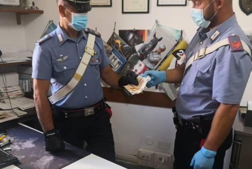 Macerata: sorpreso dai carabinieri ingoia eroina, in manette nigeriano 36enne