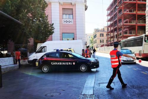 Ancona: negoziante aggredita dopo un furto di vestiti, presi i rapinatori