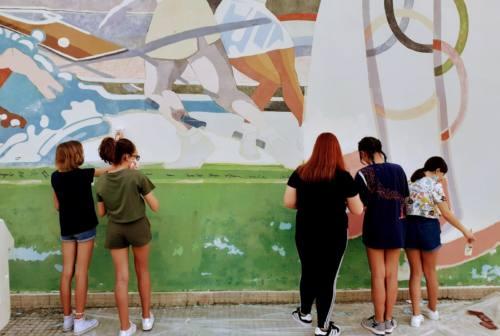 San Severino, ecco come il vecchio murale riprende colore