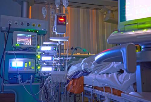 Covid Marche, situazione in miglioramento. Negli ospedali 11 vaccinati su 80 ricoverati