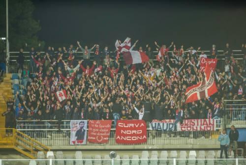 L'Ancona-Matelica, perde 2-1 a Pescara nel finale. Dal Catania è in arrivo il terzino destro Noce