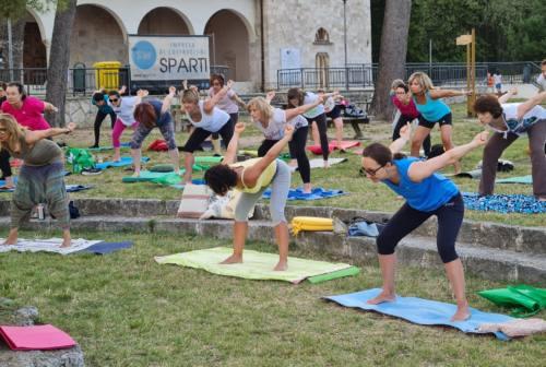 Ad Ascoli tutti pazzi per il Summer Yoga: «Così valorizziamo i parchi»