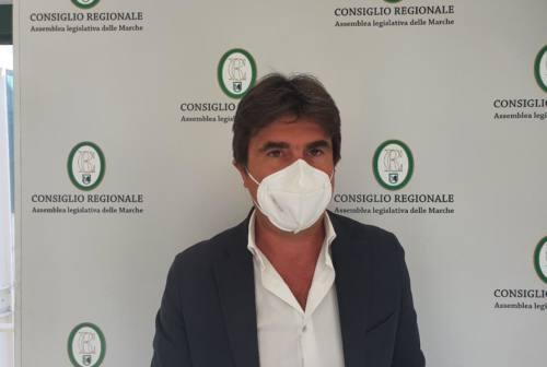 Pesaro, Biancani: «Over 60 costretti ad andare in provincia di Ancona per fare la terza dose, inaccettabile»