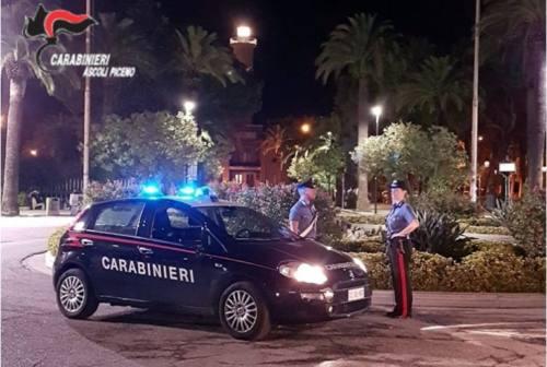 Calci e pugni in faccia a un ragazzo di San Benedetto: 19enne campano denunciato dai carabinieri