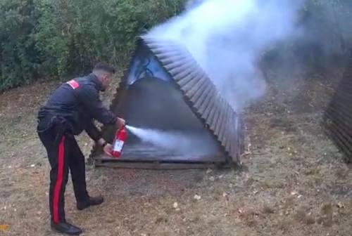 Falconara: fiamme al parco Unicef, teppisti danno fuoco ad un gioco di legno