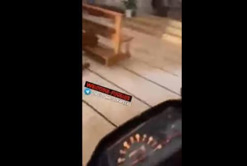 Entra in chiesa con lo scooter a Cattolica, denunciato. Ci aveva provato anche a Gabicce