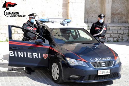 Pagliare del Tronto, travolge uno scooter con l'auto e scappa: fermato dai carabinieri