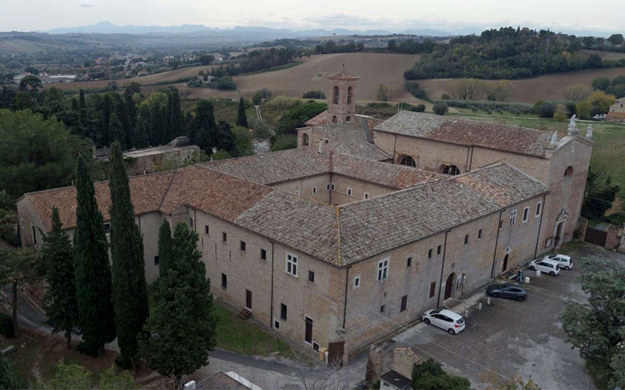 Senigallia, il complesso monumentale con il museo della mezzadria S.Anselmi e la chiesa delle Grazie