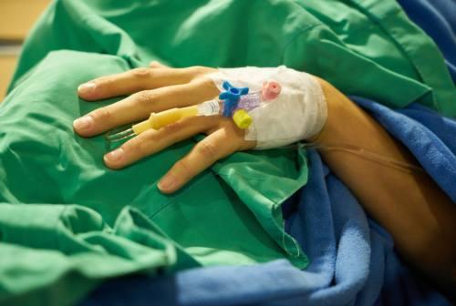 Cure covid, ecco quelle impiegate in malattie infettive. Giacometti: «I ricoverati rispondono più prontamente del passato»