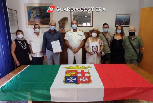 Ancona, consegnati medaglie e diplomi d'onore per lunga navigazione mercantile
