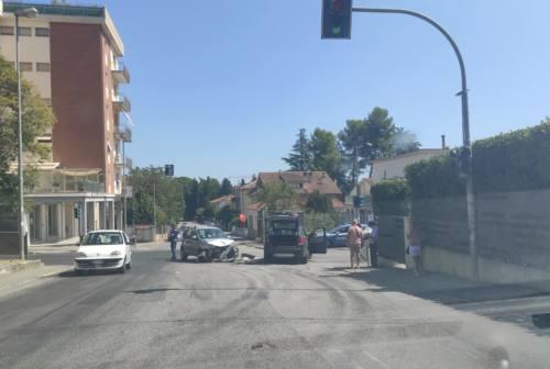 Jesi, scontro in via Puccini: due feriti in ospedale
