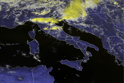 Allerta meteo per temporali sulle Marche, afa al capolinea
