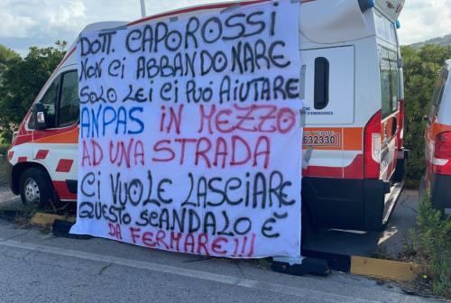 Trasporti Torrette, va avanti la protesta dei lavoratori First Aid One. Caporossi: «Solidarietà ai dipendenti»