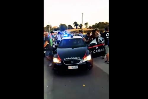 Maxi rissa a Marotta al Miu, i 4 arrestati restano in carcere: «Socialmente pericolosi e in grado di reiterare i reati»