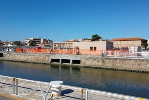 """Lavori al porto di Senigallia: fermo l'escavo, iniziata la """"casa da mare"""""""