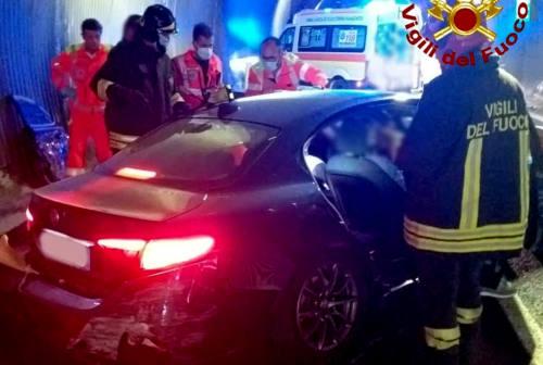 Senigallia, incidente sotto la galleria della complanare sud: tre feriti