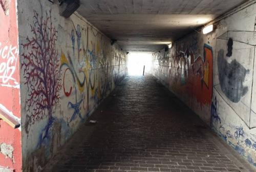 Senigallia, tre settimane per eliminare il degrado dal sottopasso via Perilli