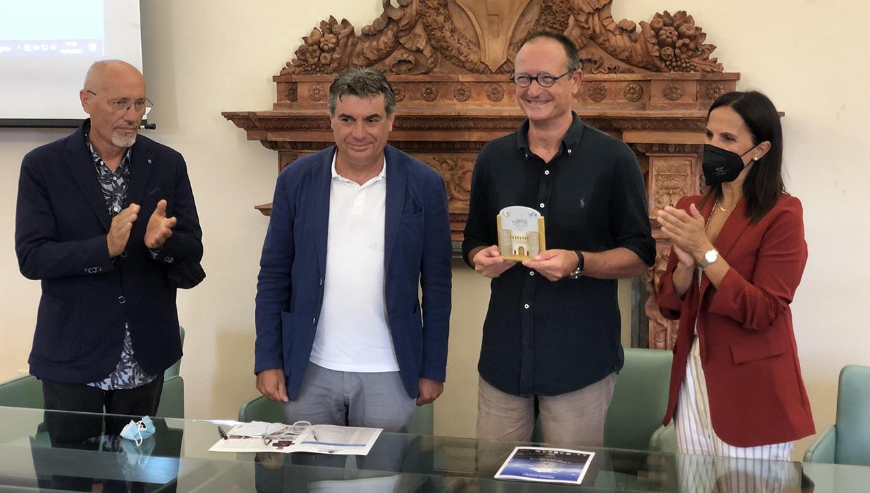 Da Fano a Pesaro a nuoto: il Giro d'Italia di Salvatore Cimmino