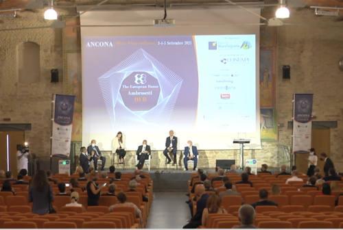 Forum Ambrosetti, tra eccellenze e sviluppo infrastrutturale. Parola agli imprenditori