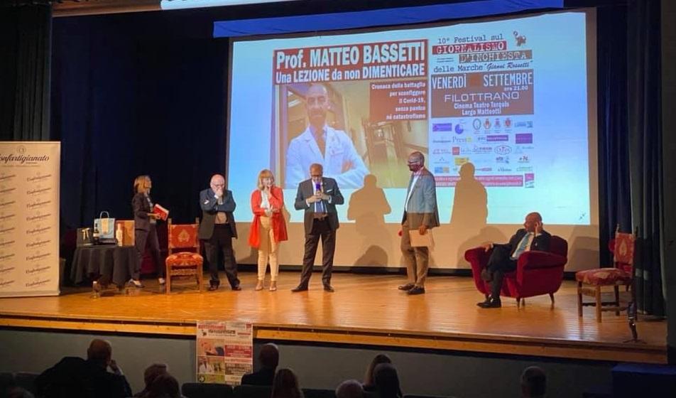 Il teatro di Filottrano per il dottor Matteo Bassetti