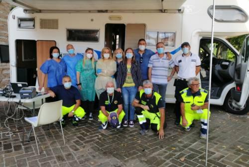 Camper vaccinale a Cerreto d'Esi e Serra San Quirico: un successo