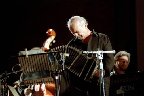 A Castelfidardo torna a suonare il bandoneon del grande Astor Piazzolla
