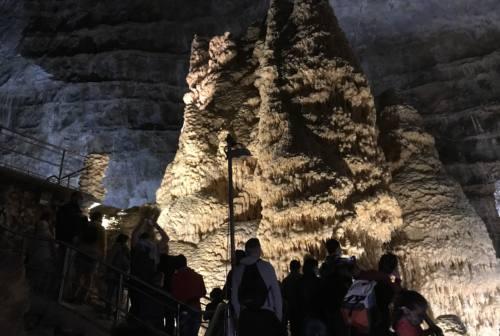 Genga, estate da record per le Grotte di Frasassi protagoniste ora anche a Venezia
